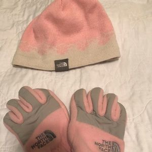 The North Face Accessories - North Face young Girls glove and Hat set